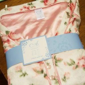 NWT 2 piece pajama set.